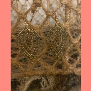 Jewelry - Boho leafy me happy earrings